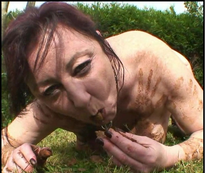 Outdoor Toilet Slut – French Scat Slut - Chienne Mary | 2017 | HD | 694 MB