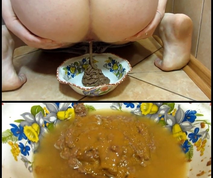 Scat and pissing in a bowl for you! Food is for you - KassianeArquetti | 2017 | FullHD | 285 MB