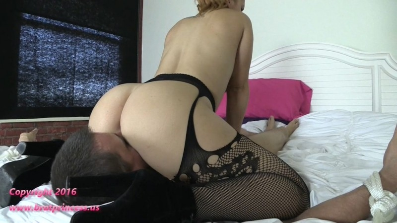 Edyn Blair - Restrained Ass Smother And Pussy Worship - Edyn Blair | BratPrincess, Clips4sale | 2017 | FullHD | 797 MB