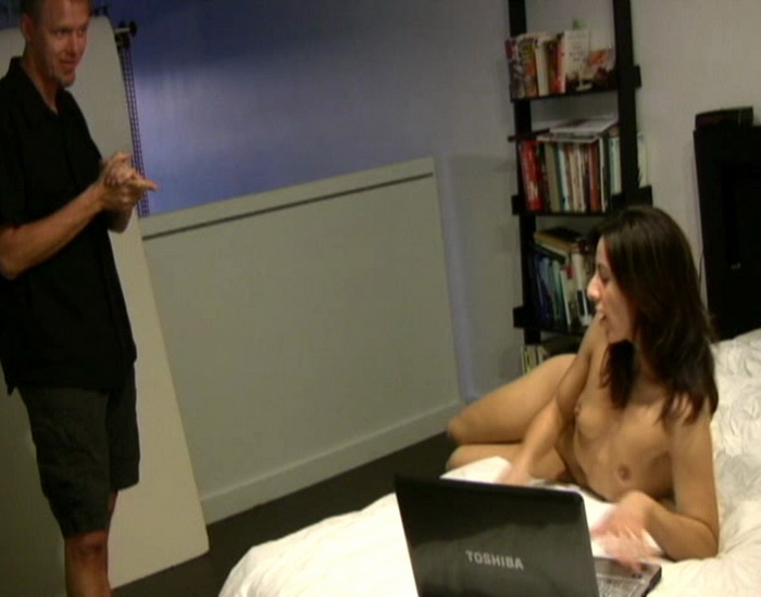 Webcamming with Step-Dad - Amateur | Clips4sale | 2009 | SD | 265 MB
