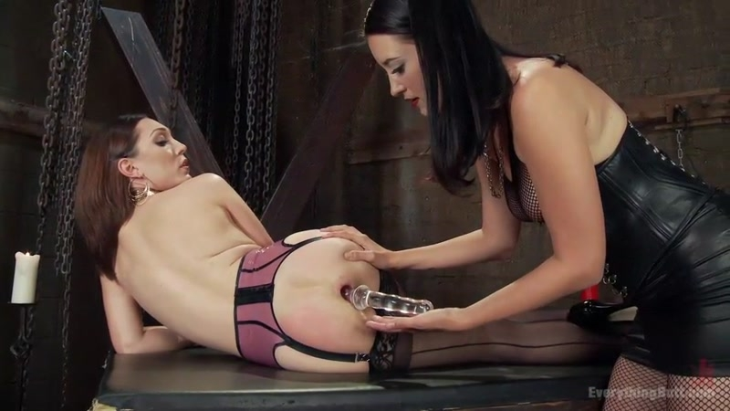 Kimberly Kane gives a diabolically seductive Anal Fisting to Lily LaBeau - Kimberly Kane, Lily LaBeau | Everything Butt | 2017 | SD | 618 MB