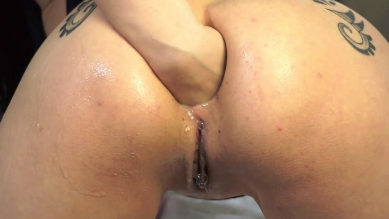 Bella - Masturbates ass by hand - Prolapse - Bella | Bella Entertainment | 21.11.2015 | HD | 68.8 MB