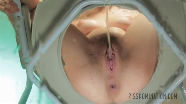Anna De Ville unleashes on her piss slave - Anna De Ville | Exclusive Pissing | 2016 | FullHD | 310 MB