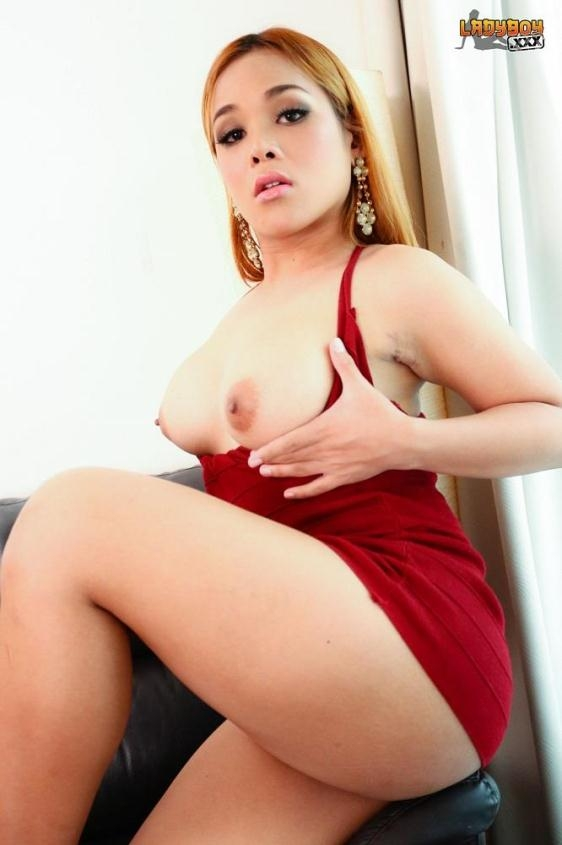 Angie / Red Hot Angie's Creamy Cum - Angie | ladyboy | 2017 | FullHD | 938 MB