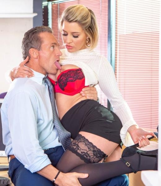Fucks Her Boss In The Office - Sienna Day | Private | 2018 | FullHD | 1.45 GB