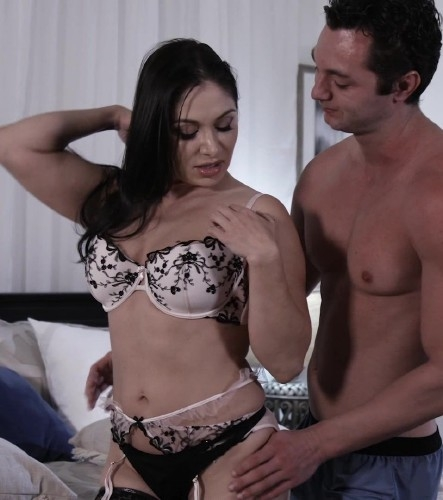 Sexy MILF Lea Lexis Gets Her Pussy Creampied - Lea Lexis | ThirdMovies, Ztod | 22.06.2018 | SD | 329 MB