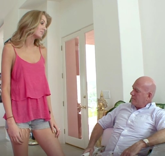 Old Fuck Got Inside Her - Emily Kae | MatureFucksTeen | 2017 | FullHD | 1.32 GB