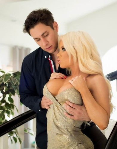 Axel Brauns Busty Hotwives, Scene 1 - Nikki Delano | Wicked | 03,09,2018 | FullHD | 1.24 GB