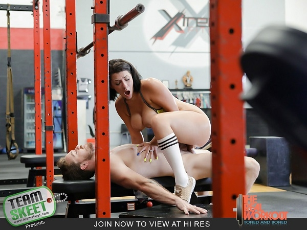 Getting Low On Leg Day - Valentina Jewels | TheRealWorkout, TeamSkeet | 2018 | FullHD | 3.75 GB