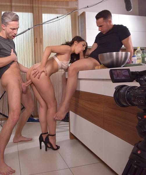 From Cooking To Fucking - Ginebra Bellucci | HandsonHardcore, DDFNetwork | 2018 | UltraHD/4K | 3.68 GB