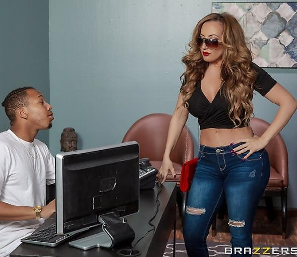 Spray Me Down There - Richelle Ryan | DirtyMasseur, BraZZers | 2018 | FullHD | 1.24 GB