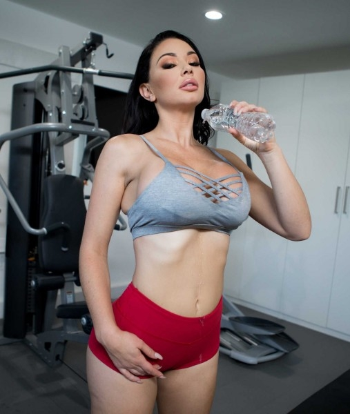 Workout Sex Club - Brooke Beretta | BigWetButts, Brazzers | 05.01.2019 | FullHD | 1.30 GB
