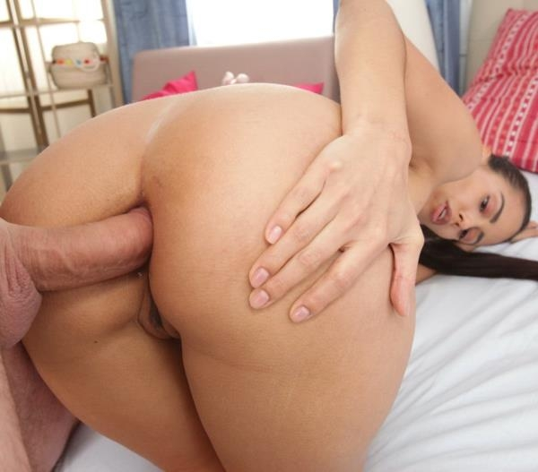 Sexy brunette Andreina De Luxe gets her ass gaped and fucked - Andreina De Luxe | FirstAnalQuest | 2019 | HD | 565 MB