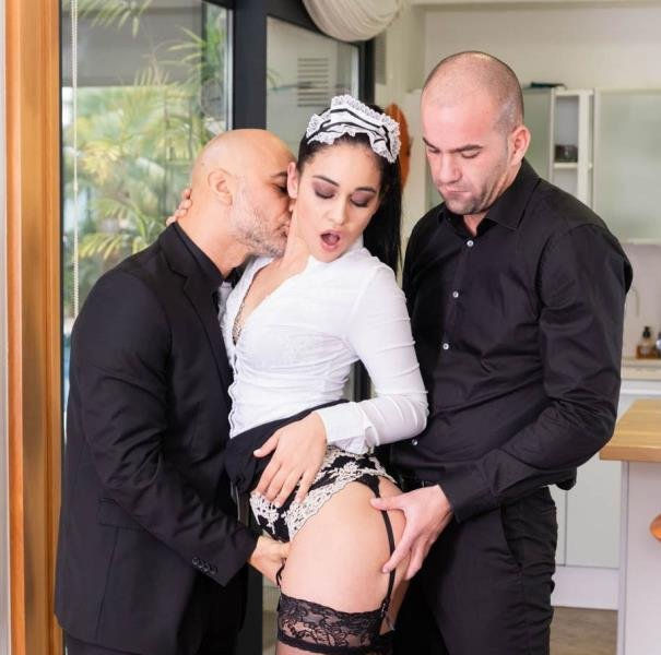 Ginebra Bellucci, Horny Maid Eager to Impress - Ginebra Bellucci | Private | 16.03.2019 | HD | 913 MB