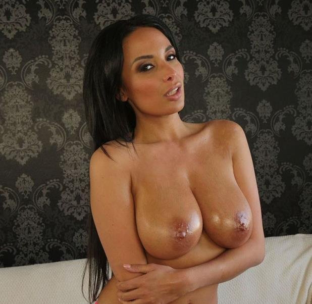 Rides A Big One - Anissa Kate | HussiePass | 31.03.2019 | FullHD | 2.58 GB