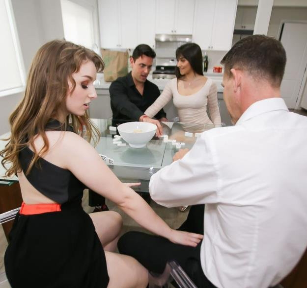 Domino Daughter Dick Down - Brooklyn Gray,Cleo Clementine | DaughterSwap | 17.04.2019 | HD | 1.47 GB
