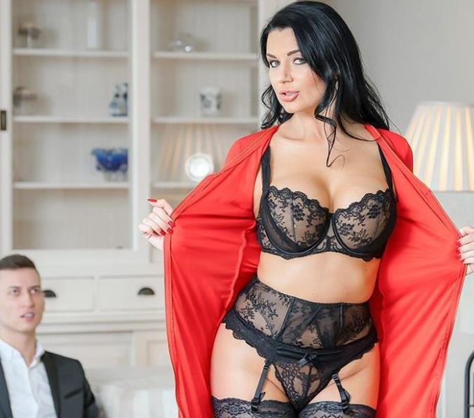 When Her Man Is Away, This MILF Will Play - Ania Kinski | GotMylf, Mylf | 18.04.2019 | FullHD | 3.99 GB