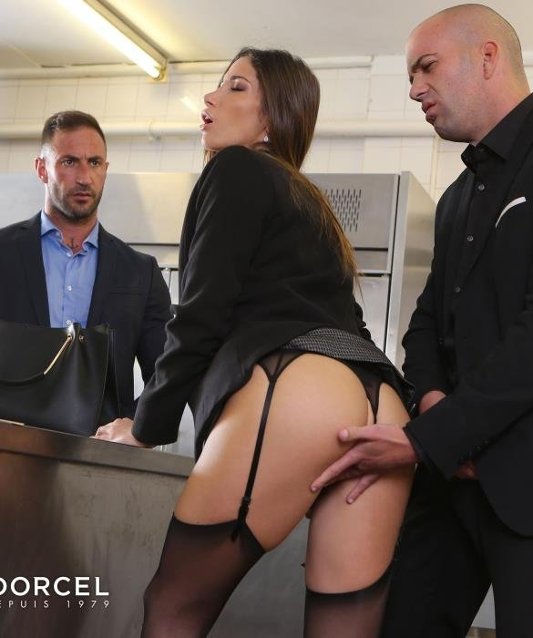 Clea Gaultier will do anything for a contract - Clea Gaultier | Dorcelclub | 26.04.2019 | FullHD | 594 MB