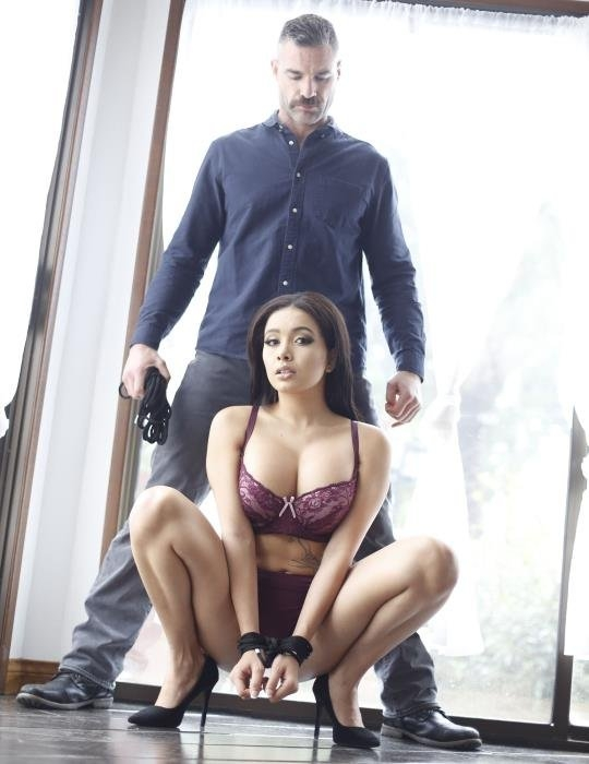 Aaliyah Meets The Man - Aaliyah Hadid | NewSensations | 15.05.2019 | FullHD | 2.47 GB