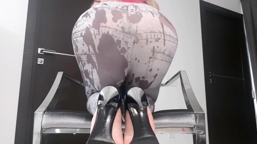 Huge Bulge In Tights - thefartbabes | 2019 | FullHD | 1.07 GB