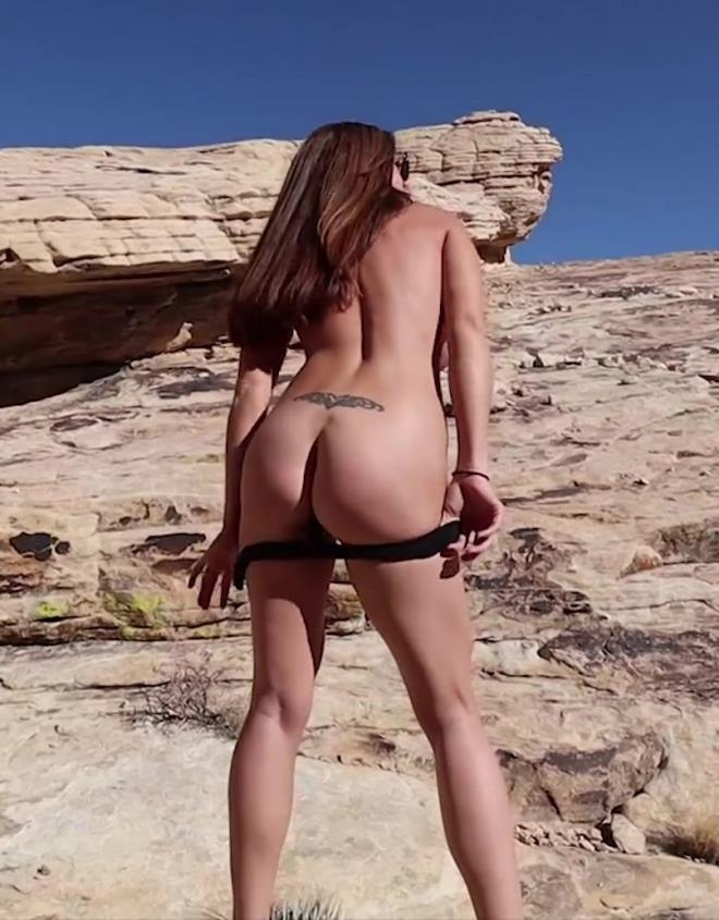 Fit busty MILF on a hike - Ivy | 2019 | FullHD | 908 MB