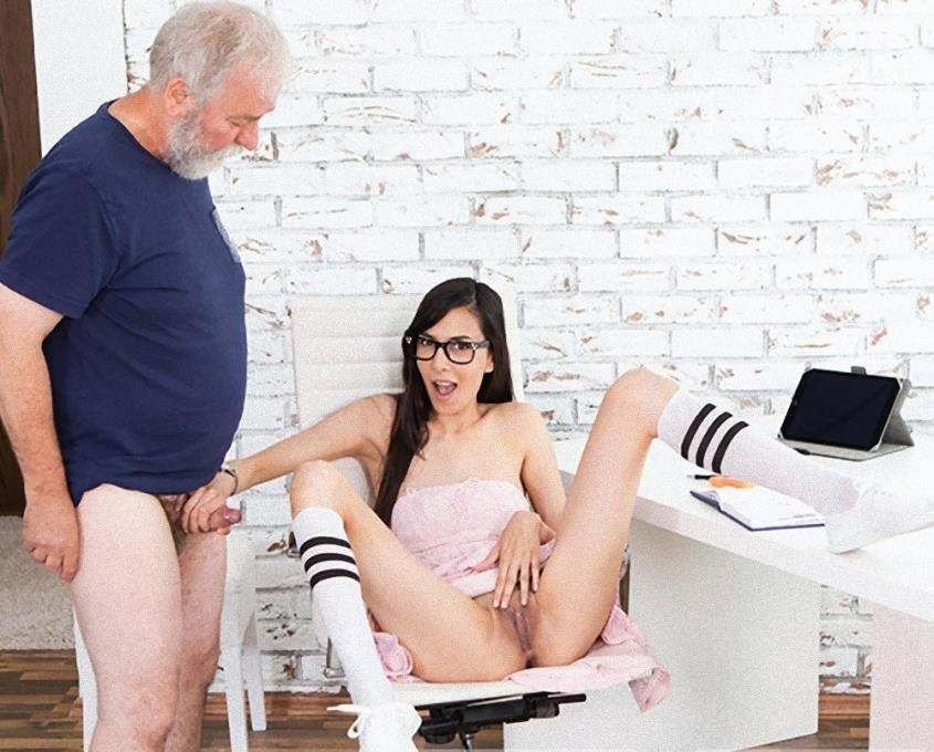 Grey-haired tutor gets his portion of doggy sex - Ashely Ocean | OldGoesYoung | 2019 | FullHD | 771 MB