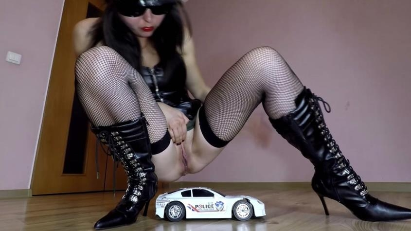Police Toy Car Crush - janet | 2020 | FullHD | 982 MB